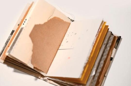 Fare un libro scupolosamente con carta trovata per caso a Cerveno